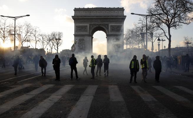 Париж забранява