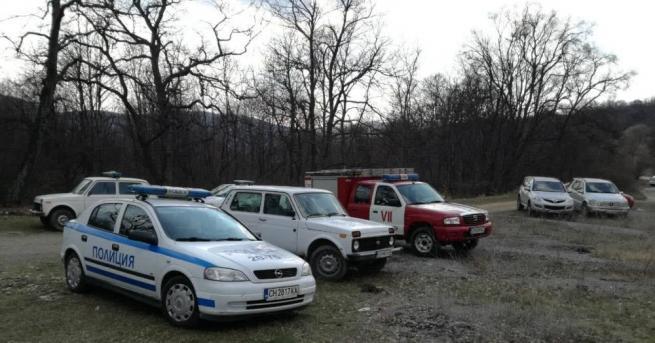 Мащабна акция по издирване на загубило се в гората край