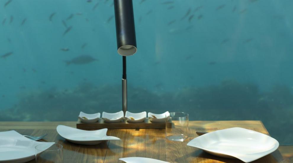 Първият европейски подводен ресторант отвори врати (СНИМКИ)