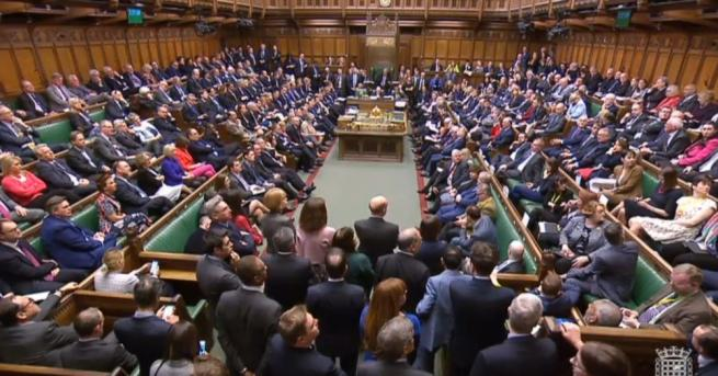 Британските депутати отхвърлиха споразумението за излизане от ЕС. За него