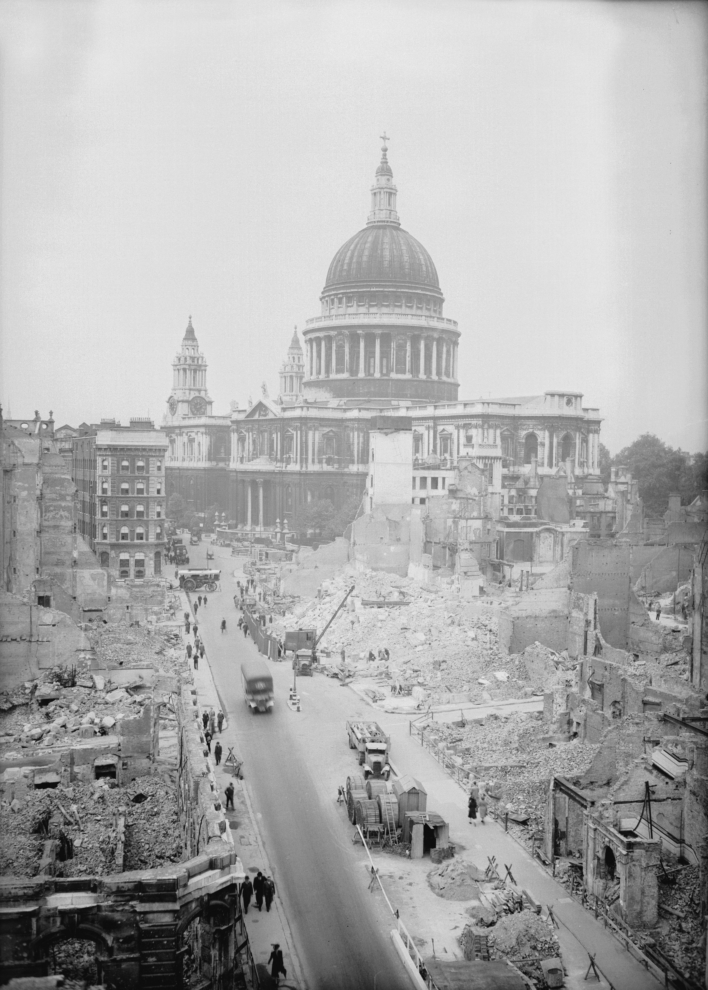 3. 17 пъти по-малко часове са траeли бомбардировките над Лондон по време на Втората световна война