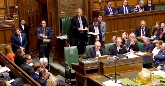 След интензивни дебати, продължили цяла вечер, британските депутати отхвърлиха четирите