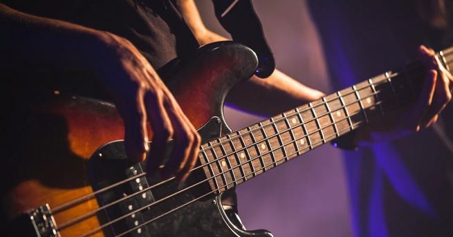 Снимка: Рок музикант се самоуби след обвинение в сексуално посегателство