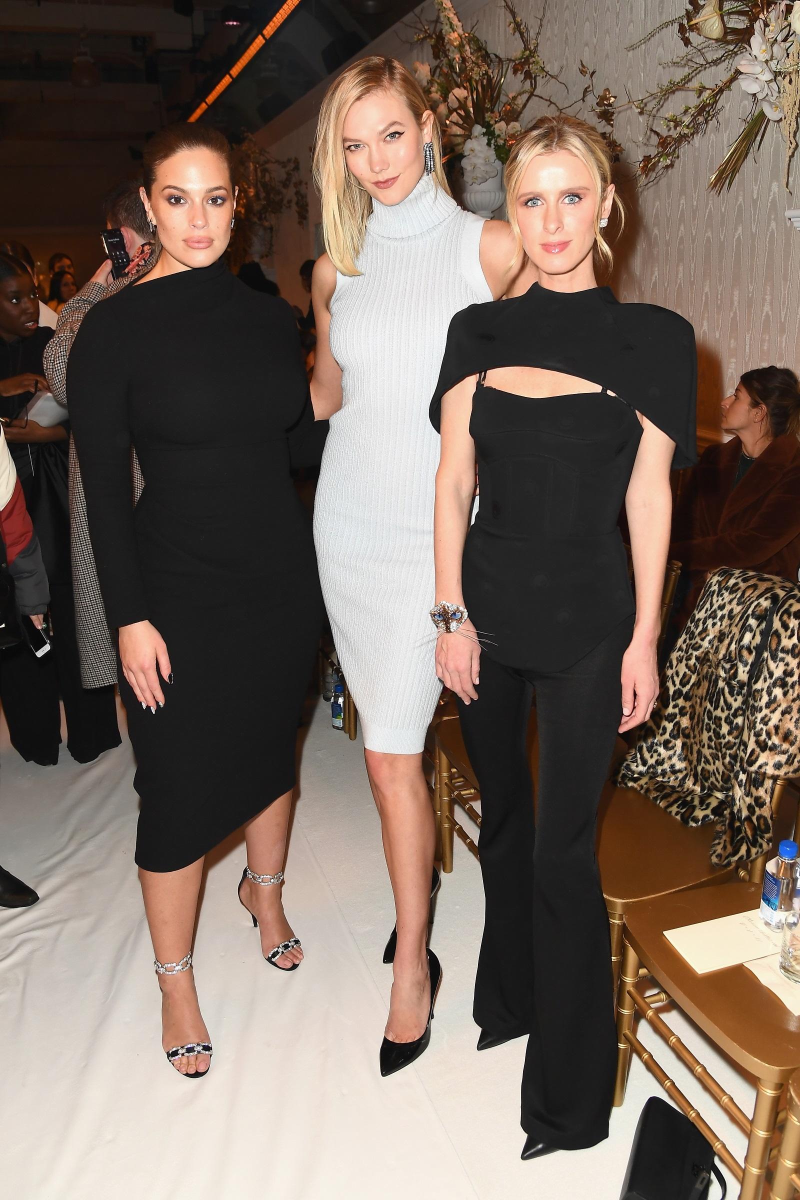 Карли Клос в компанията на plus size модела Ашли Греъм и Ники Хилтън