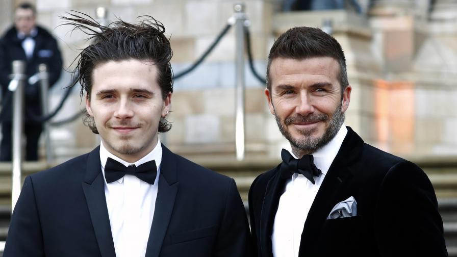 <p><strong>Като близнаци</strong>: баща и син заедно на червения килим</p>