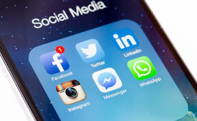 Facebook да бъде разделена, лобира неин съосновател