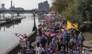 <p>750 000 граждани на ЕС искат във Великобритания след Брекзит</p>