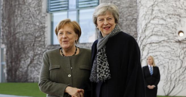 Британският премиер Тереза Мей пристигна в германското канцлерството в Берлин,