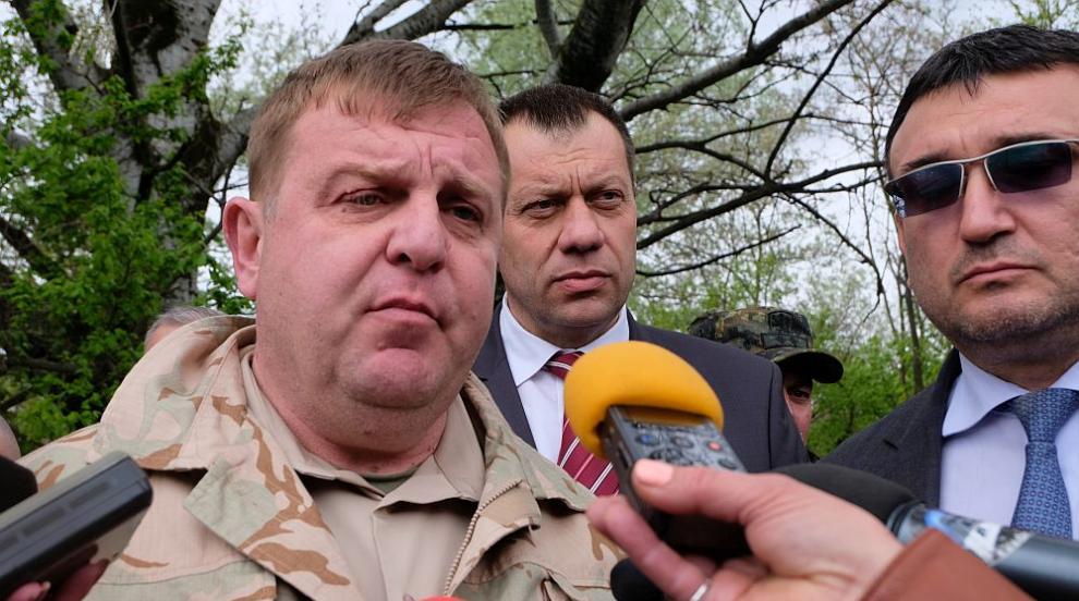 Каракачанов: Имаме готовност, ако бежанският натиск по границата с Турция...