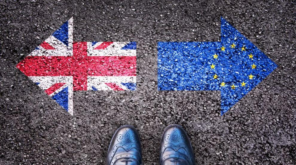 Великобритания публикува обновени планове за подготовка за Брекзит без...