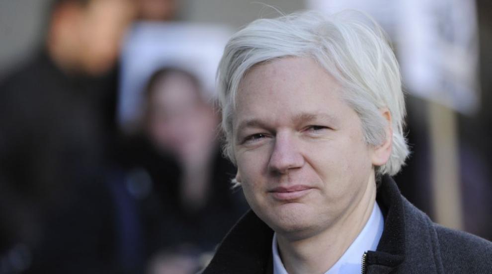 Асанж опитал да се свърже с Белия дом и Хилари Клинтън