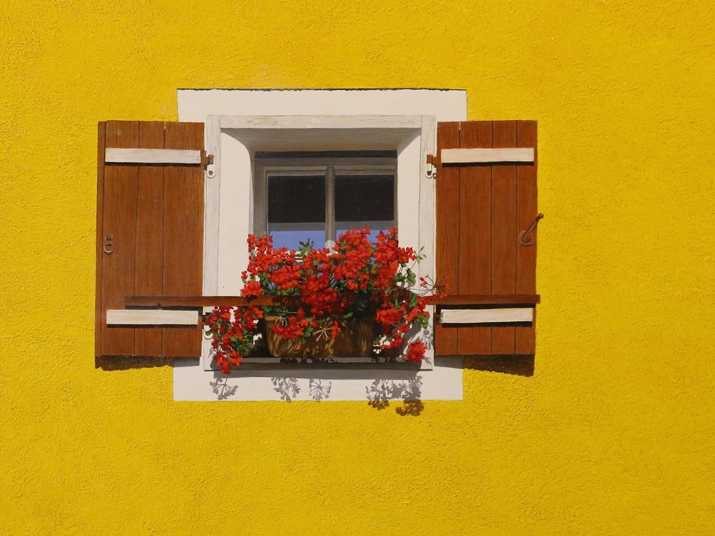 А понякога просто една жълта стена с прозорец и цветя оставят своята трайна следа в съзнанието на пътешественика