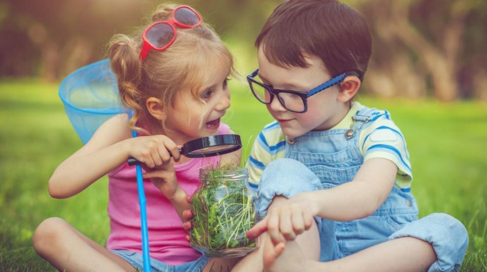 Децата учат най-добре думи от ...други деца