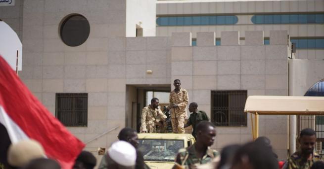 Председателят на военния съвет в Судан Абдел Фатах ал Бурхан