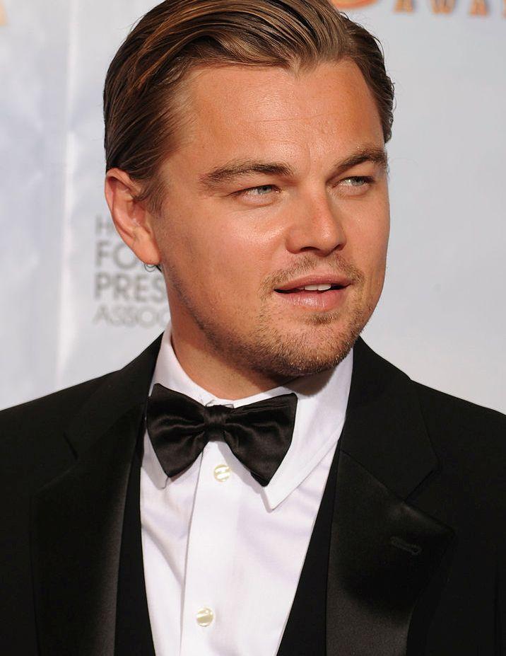 """Леонардо ди Каприо е може би един от най-популярните актьори в Холивуд. Вижте в галерията ни как любимецът на дамите """"порасна"""" през годините"""