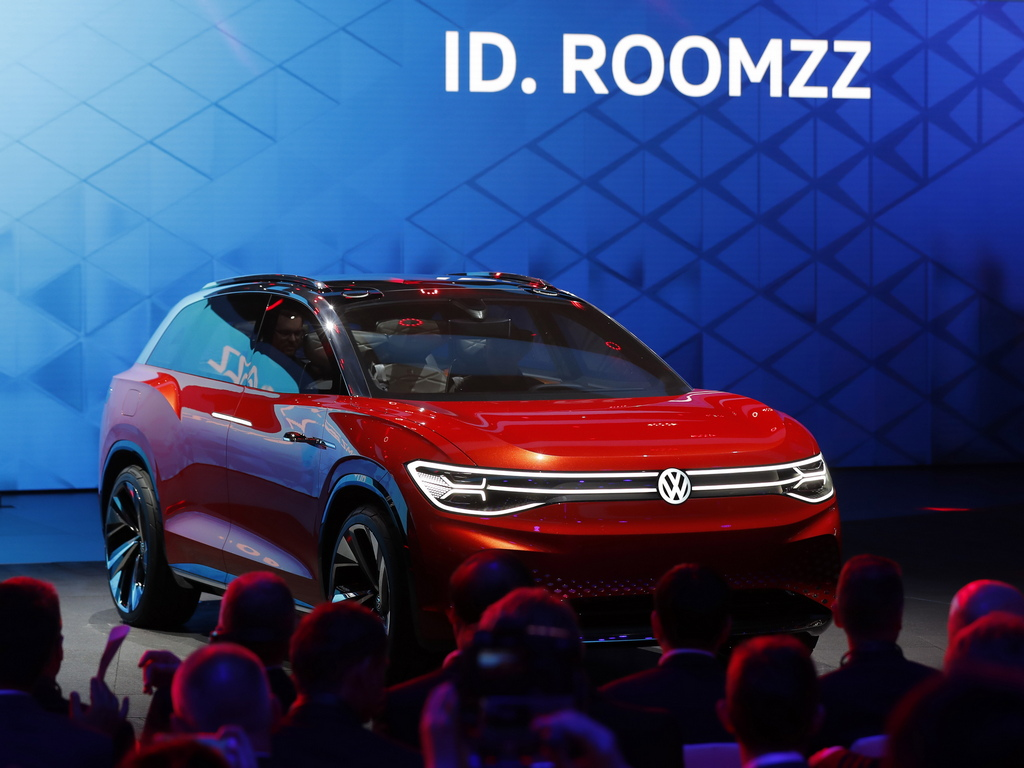 Volkswagen electric concept SUV ID. ROOMZZ