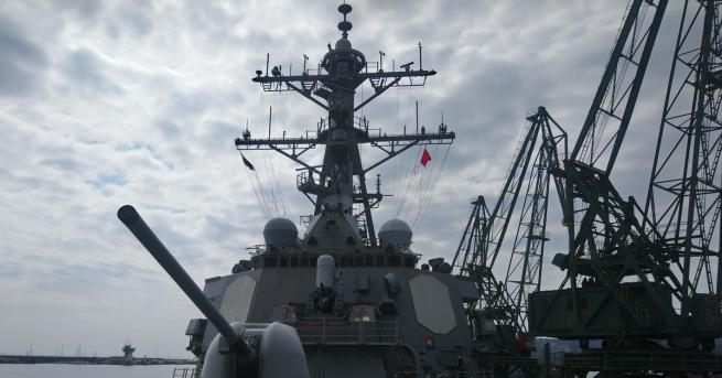 Снимка: Военна тайна е какво ще прави американският разрушител в Черно море