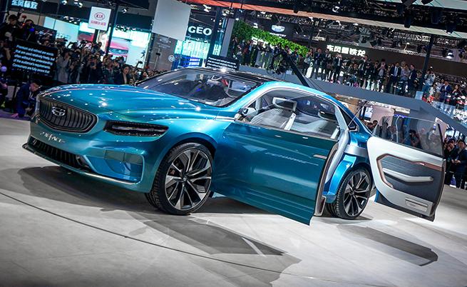 Geely Preface показва, че световната промишленост трябва да се страхува от китайското автомобилостроене. Geely имат пет дизайнерски студия по света, в коrто работят над 900 човека. Те правят дизайна на Geely, Lynk & Co, Proton, Lotus и др. А този конкретен модел представя дизайна на Geely, който в следващите 2 години трябва да намери реално измерение в няколко нови модела.