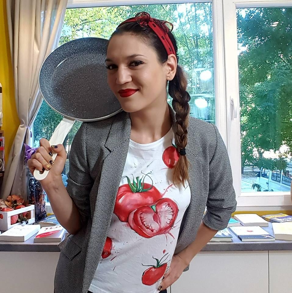 Софи е посветила живота си на Foodie Boulevard- практичен пътеводител в кухнята на съвременния зает човек.