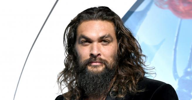 Снимка: Джейсън Момоа се раздели с брадата си и интернет полудя