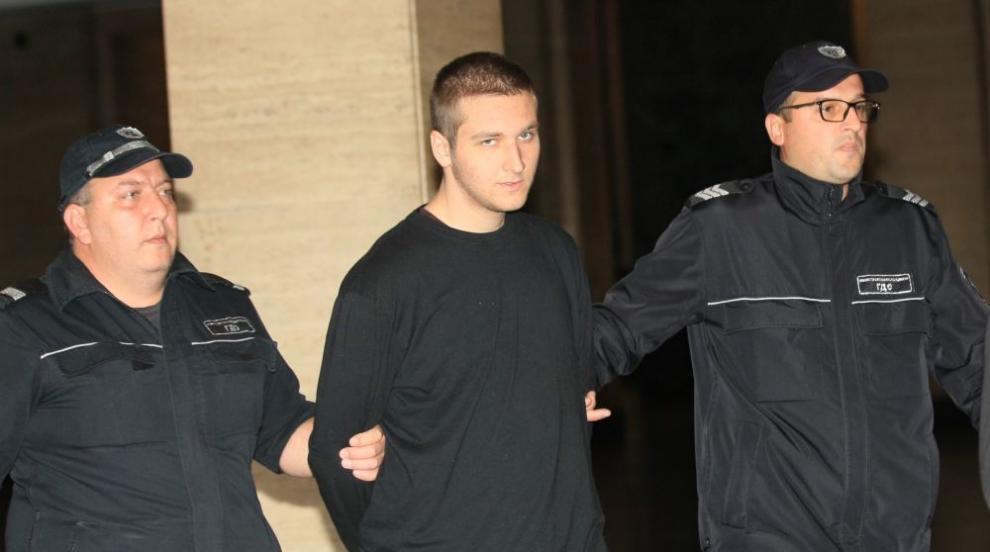 Съдът остави в ареста син, убил майка си