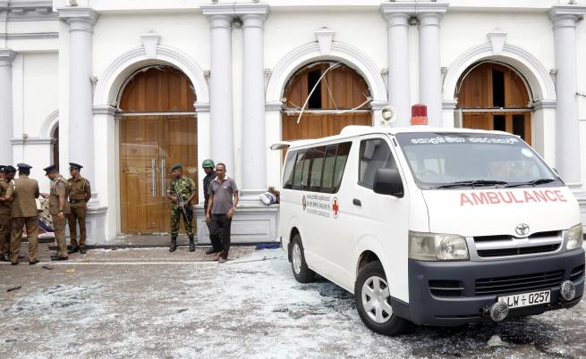 Експлозии почерниха Великден в Шри Ланка