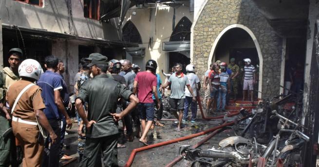 Снимка: Нови експлозии в Шри Ланка, расте броят на жертвите на атаките