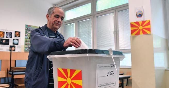 Снимка: Двама отиват с равен резултат на балотаж на президентските избори в Северна Македония