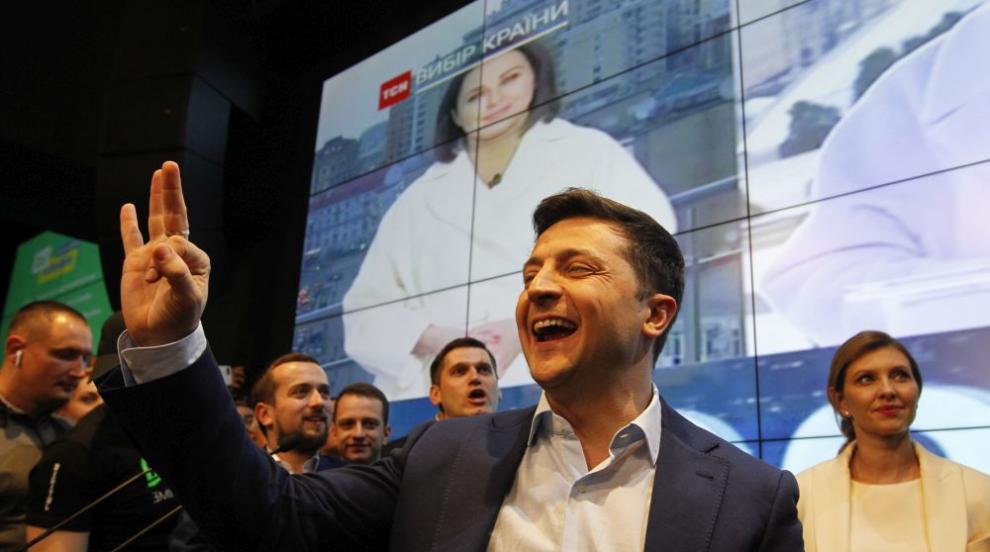 Световните лидери поздравиха комика Зеленски за победата му в Украйна