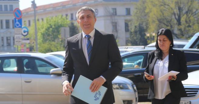 Снимка: Мустафа Карадайъ води листата на ДПС за евроизборите