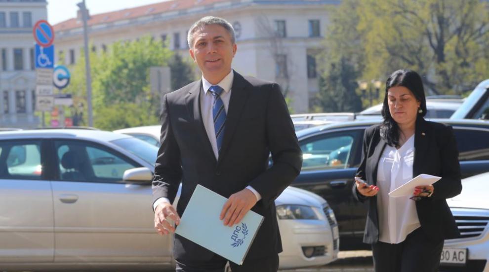 Председателят на ДПС Мустафа Карадайъ няма да бъде евродепутат