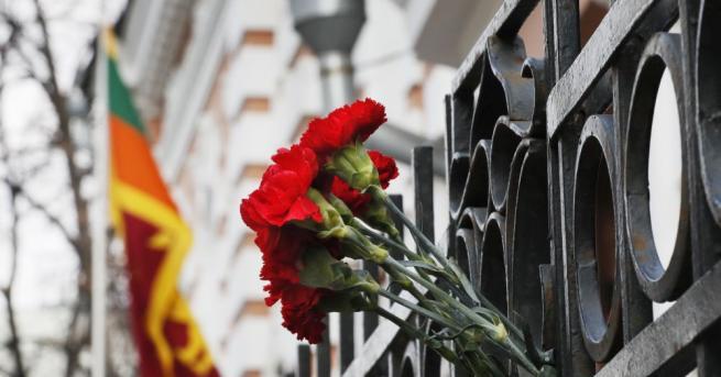 Снимка: Броят на загиналите при нападенията в Шри Ланка чужденци нарасна до 39