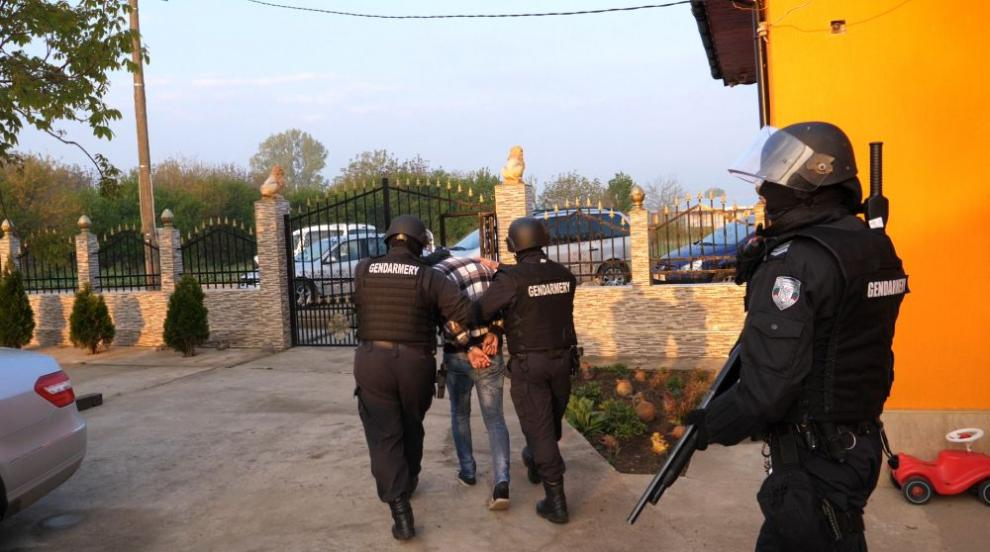 Показаха кадри от спецакцията във Видинско срещу групата за трафик на хора...
