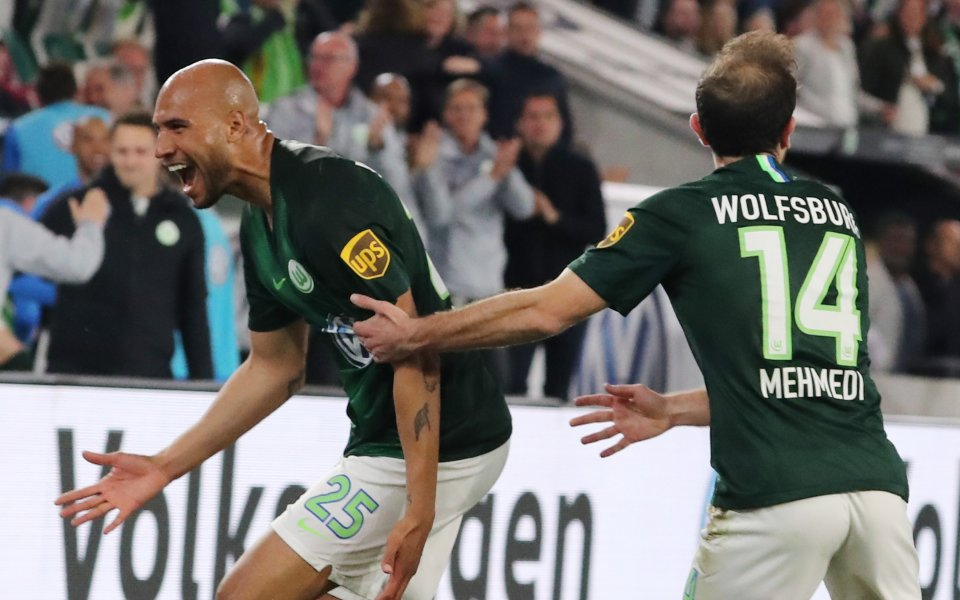 Мехмеди се върна в клуба си Волфсбург с контузия на бедрото
