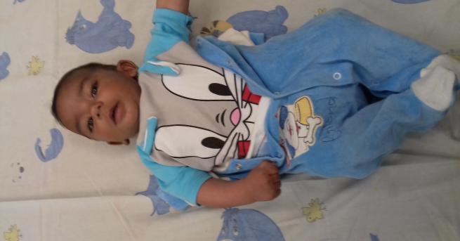 Снимка: Намериха изоставено 6-месечно бебе в района на гарата в Пловдив