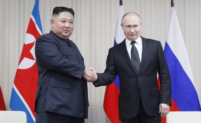 Знаците за срещата Ким-Путин и какви подаръци си направиха