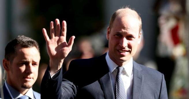 Британският принц Уилям се срещна с оцелели при извършеното на