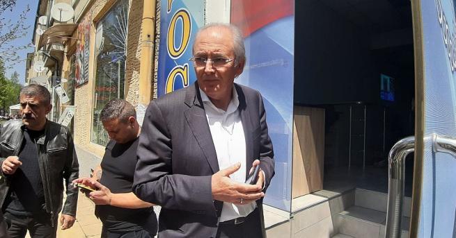 Лютви Местан даде пресконференция в Кърджали 13 дни след катастрофата