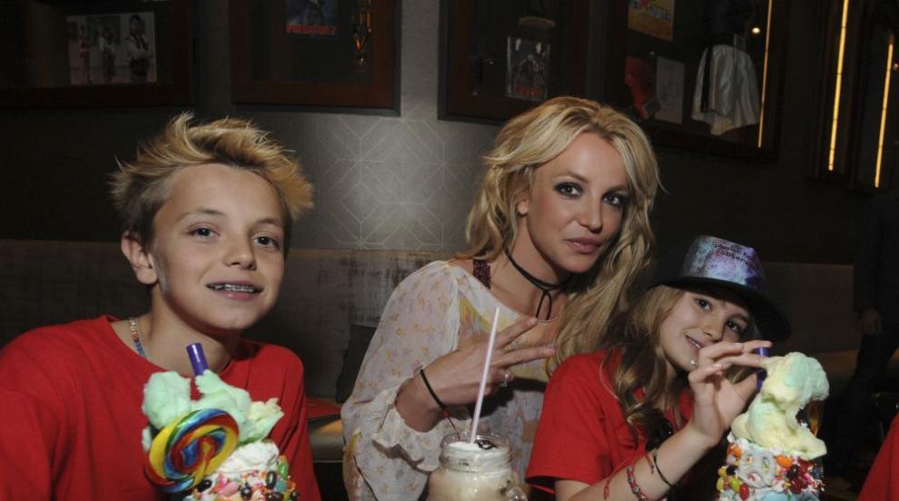Какво се случва с Бритни Спиърс?