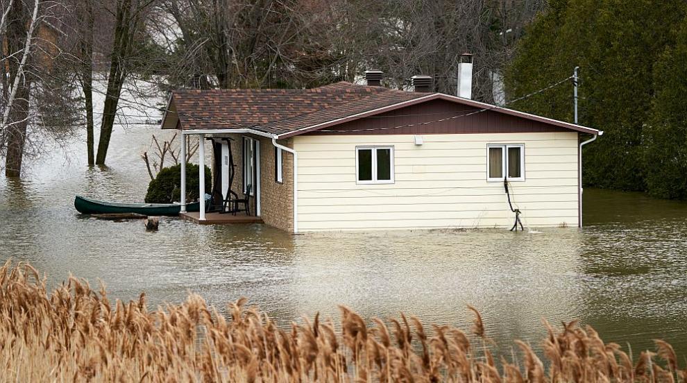 Наводнения близо до Монреал, над 5000 души са евакуирани