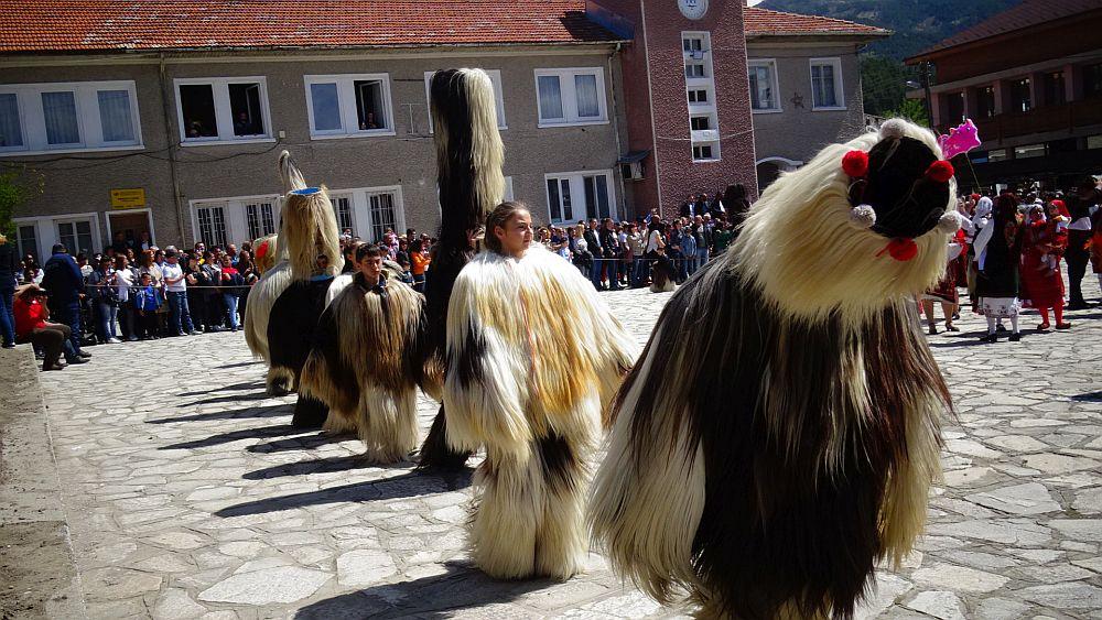 Кукери в село Елешница гониха злите сили