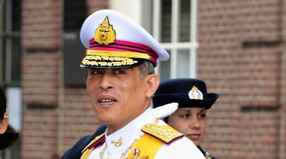 Кралят на Тайланд: Има бурен частен живот, пада си по развлеченията и...