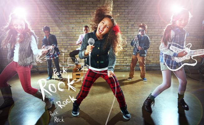 Българското рок училище, което дава шанс на всеки, влюбен в музиката