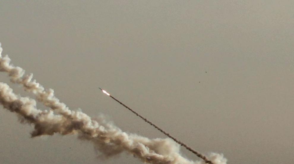 Израел бомбардира ивицата Газа след нов ракетен обстрел от Хамас