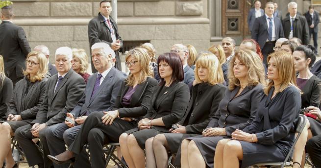 Председателят на Народното събрание Цвета Караянчева и народни представители присъстваха