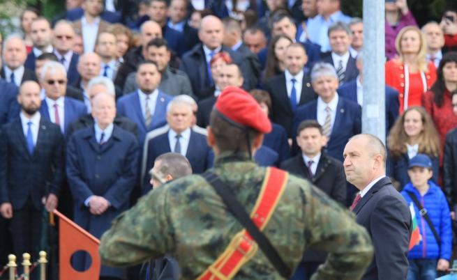 Румен Радев: Българската армия е школа за патриотизъм и мъжество