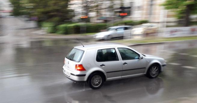 Влажни са пътните настилки във Видинска област след преваляванията от