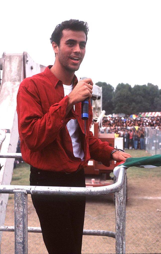 Енрике Иглесиас 1996 г.