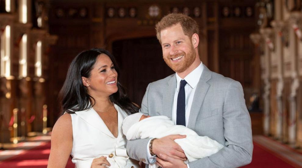 Защо кралицата не присъства на кръщенето на внука си Арчи?