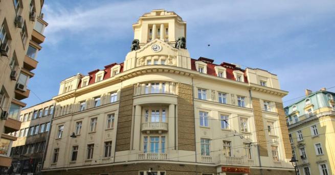 Банкерът Цветан Василев давал по 10 млн. лв. месечно на